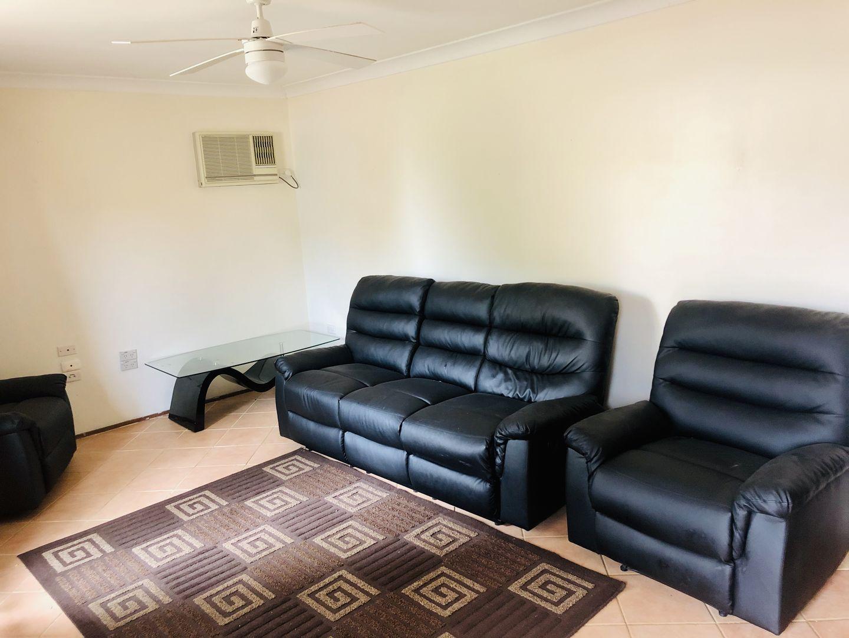 85 Cleopatra Drive, Rosemeadow NSW 2560, Image 2