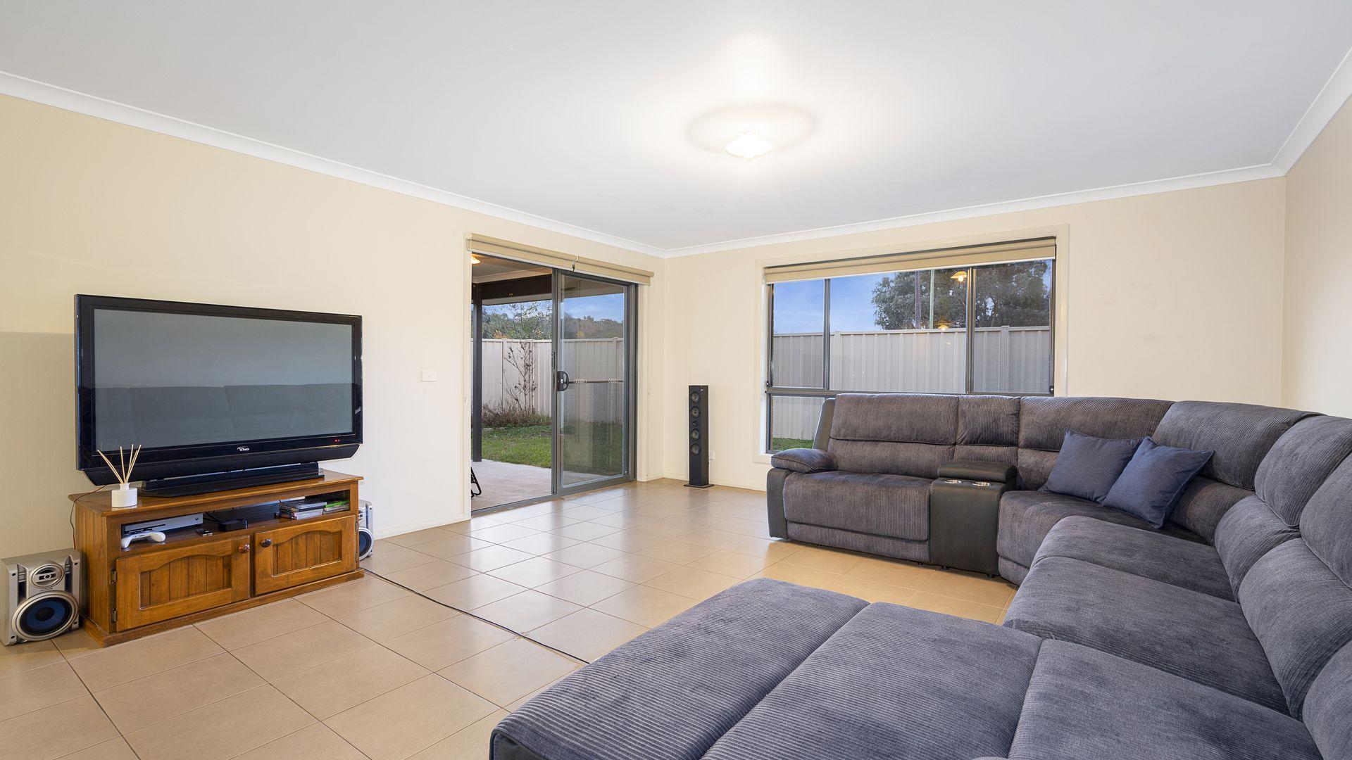 3/47 Hanrahan  Street, Lavington NSW 2641, Image 2