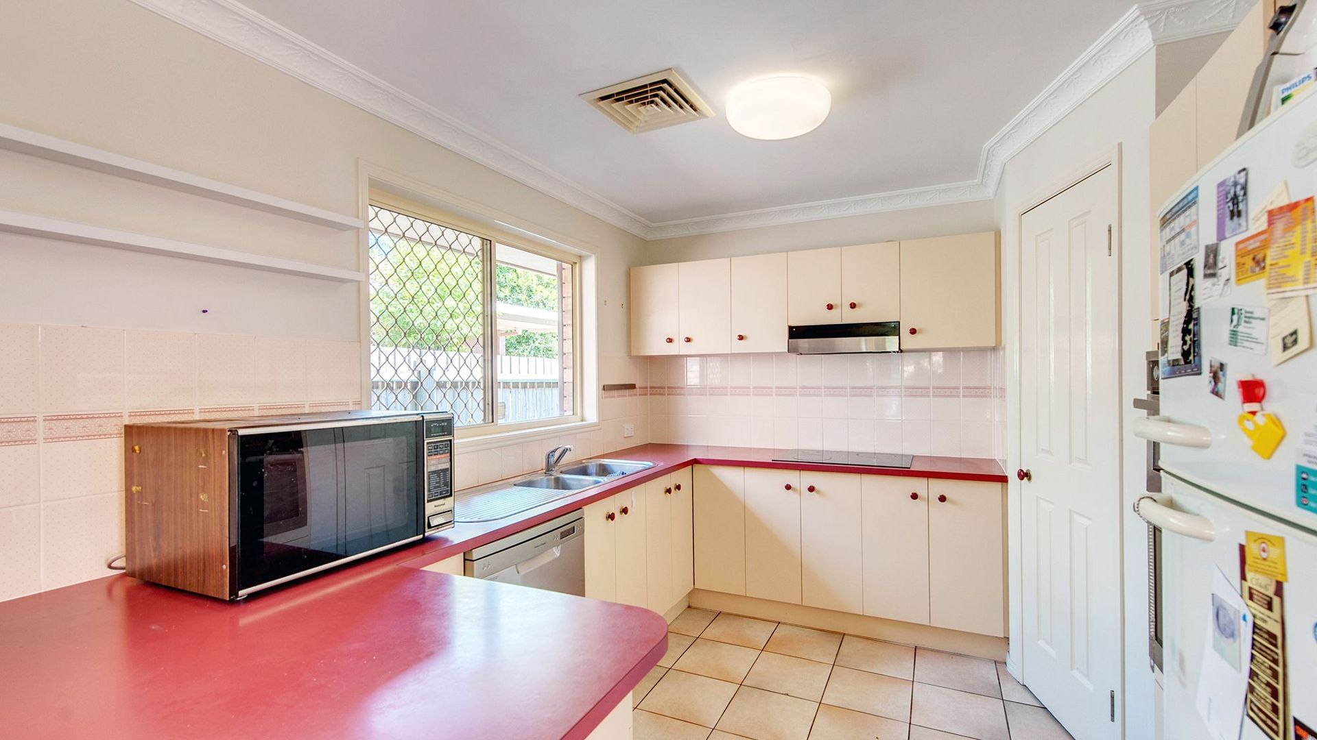 76 Banksia Cct, Forest Lake QLD 4078, Image 2