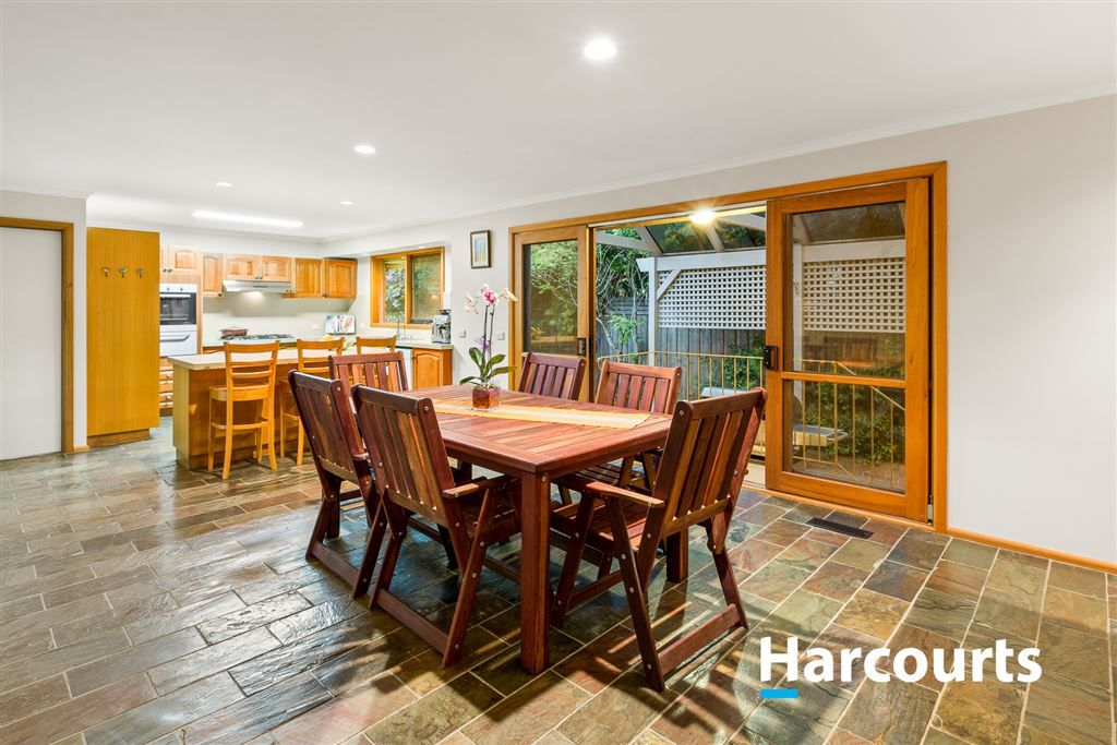 23 Paperbark Place, Knoxfield VIC 3180, Image 2