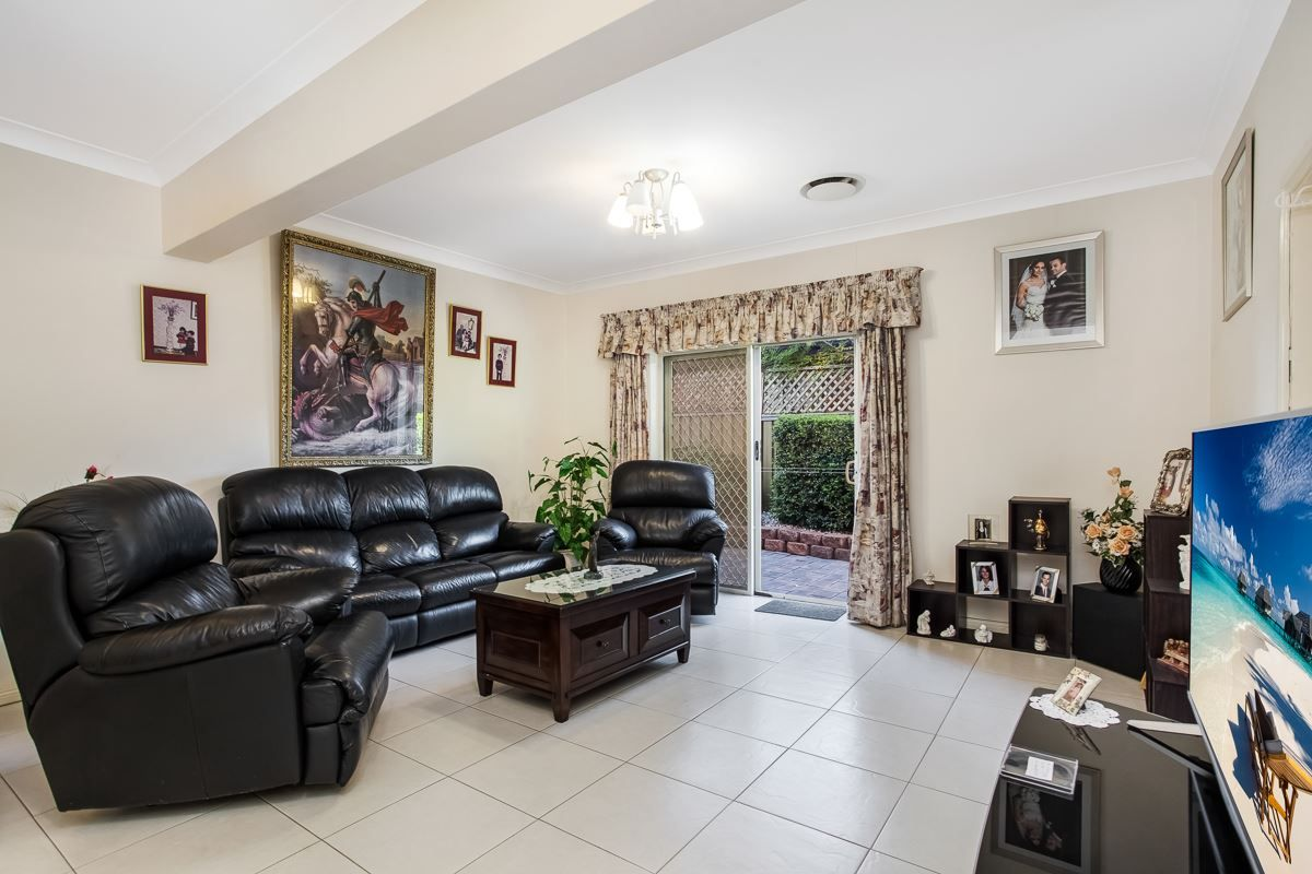 42 Lexington Avenue, St Clair NSW 2759, Image 2