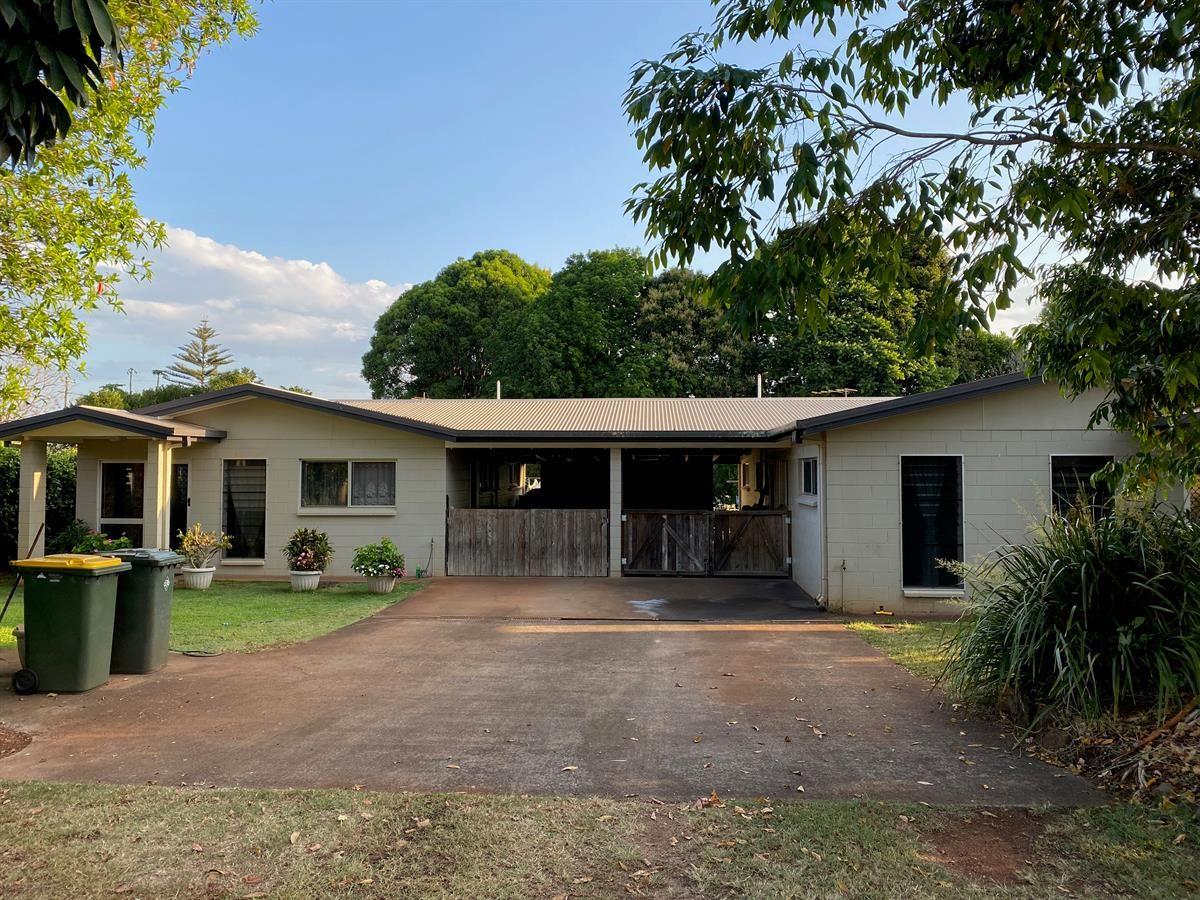 5 bedrooms Duplex in 23 Walker Street KAIRI QLD, 4872