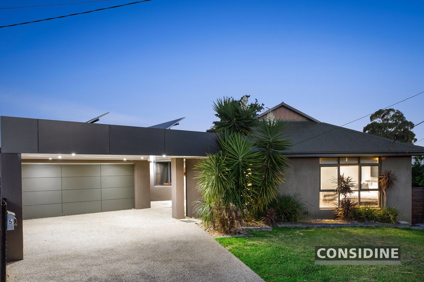 5 Douglas Court, Strathmore Heights VIC 3041, Image 0