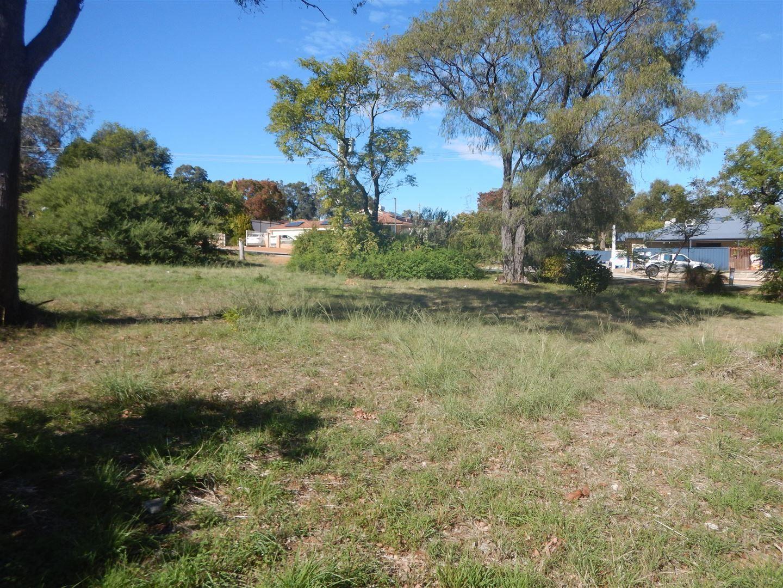 14 Lyndhurst Road, Kalamunda WA 6076, Image 0