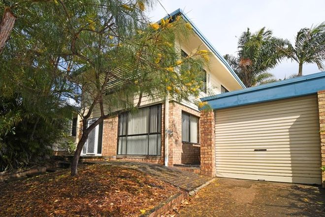 Picture of 9 Barry Street, TORQUAY QLD 4655