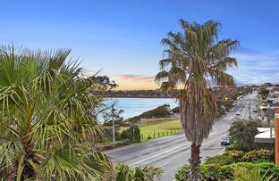 Picture of 2/77 Beach Road, Mentone VIC 3194