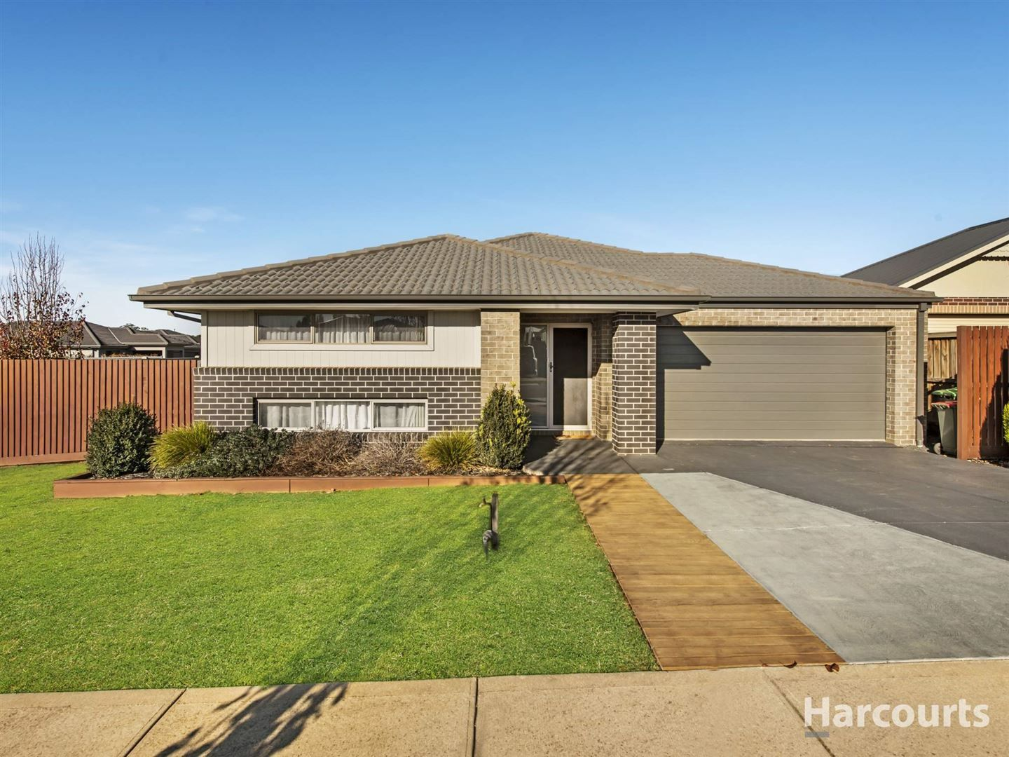 151 Twin Ranges Drive, Warragul VIC 3820, Image 2