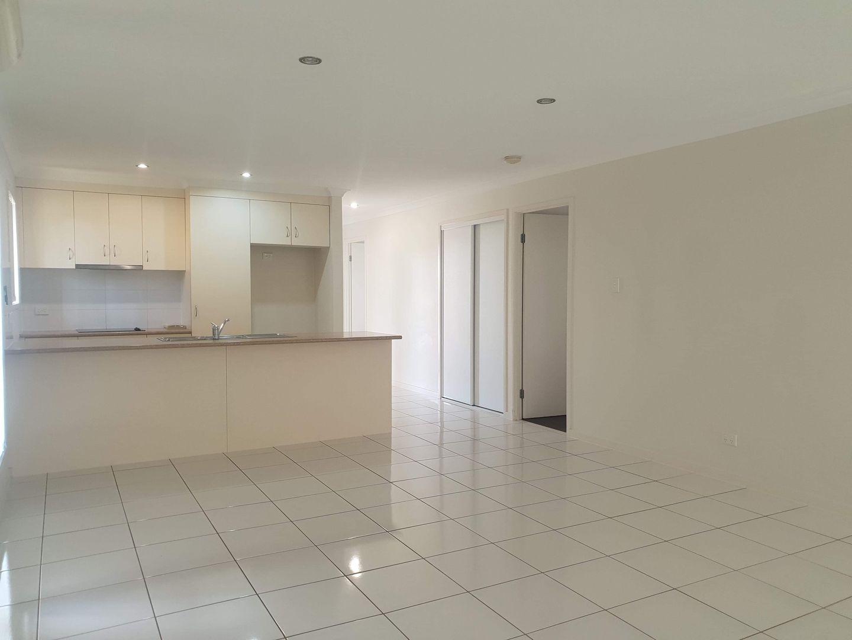 16 Benjamin Drive, Gracemere QLD 4702, Image 2