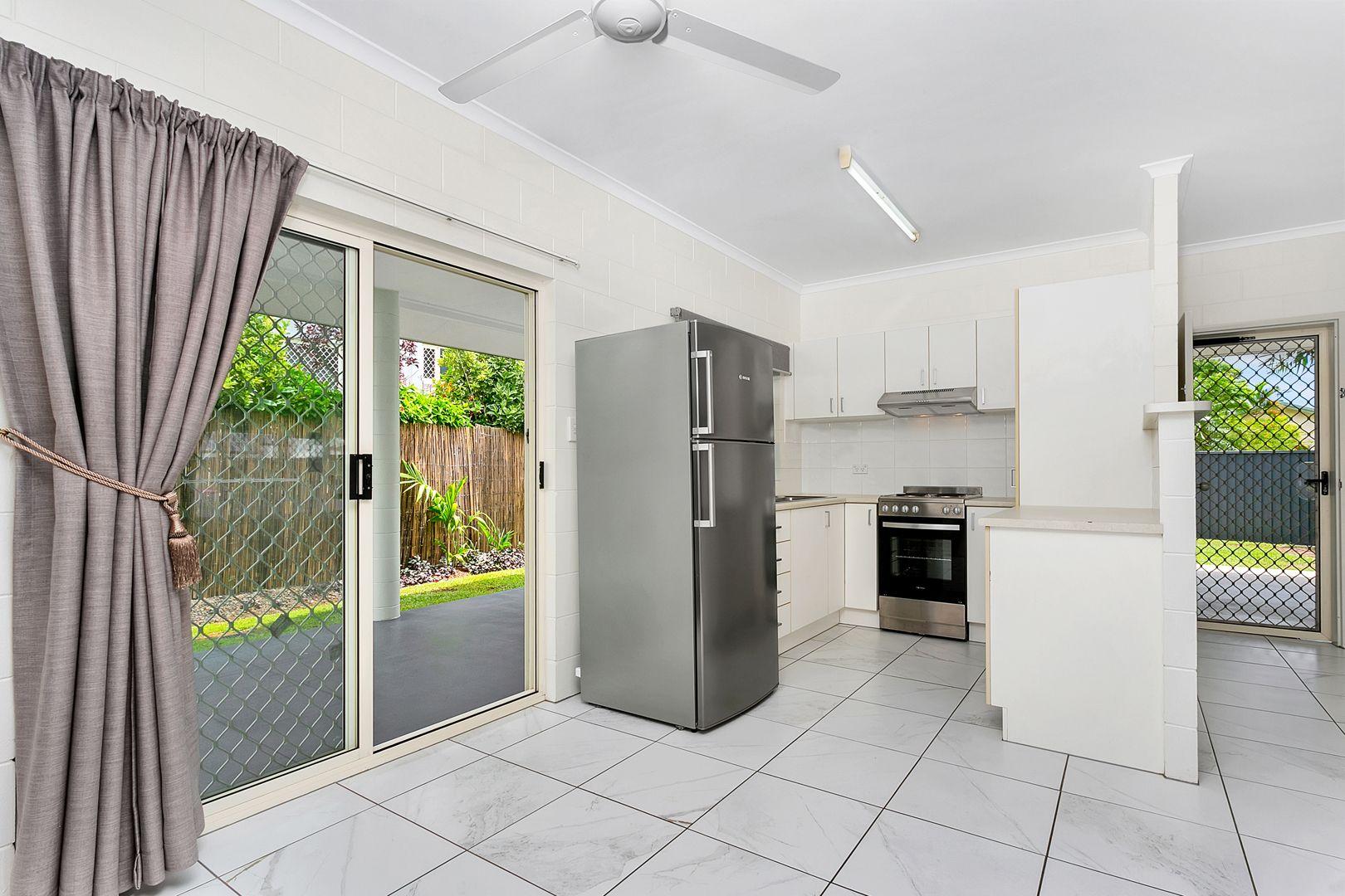 14 Hammond Court, Mooroobool QLD 4870, Image 2