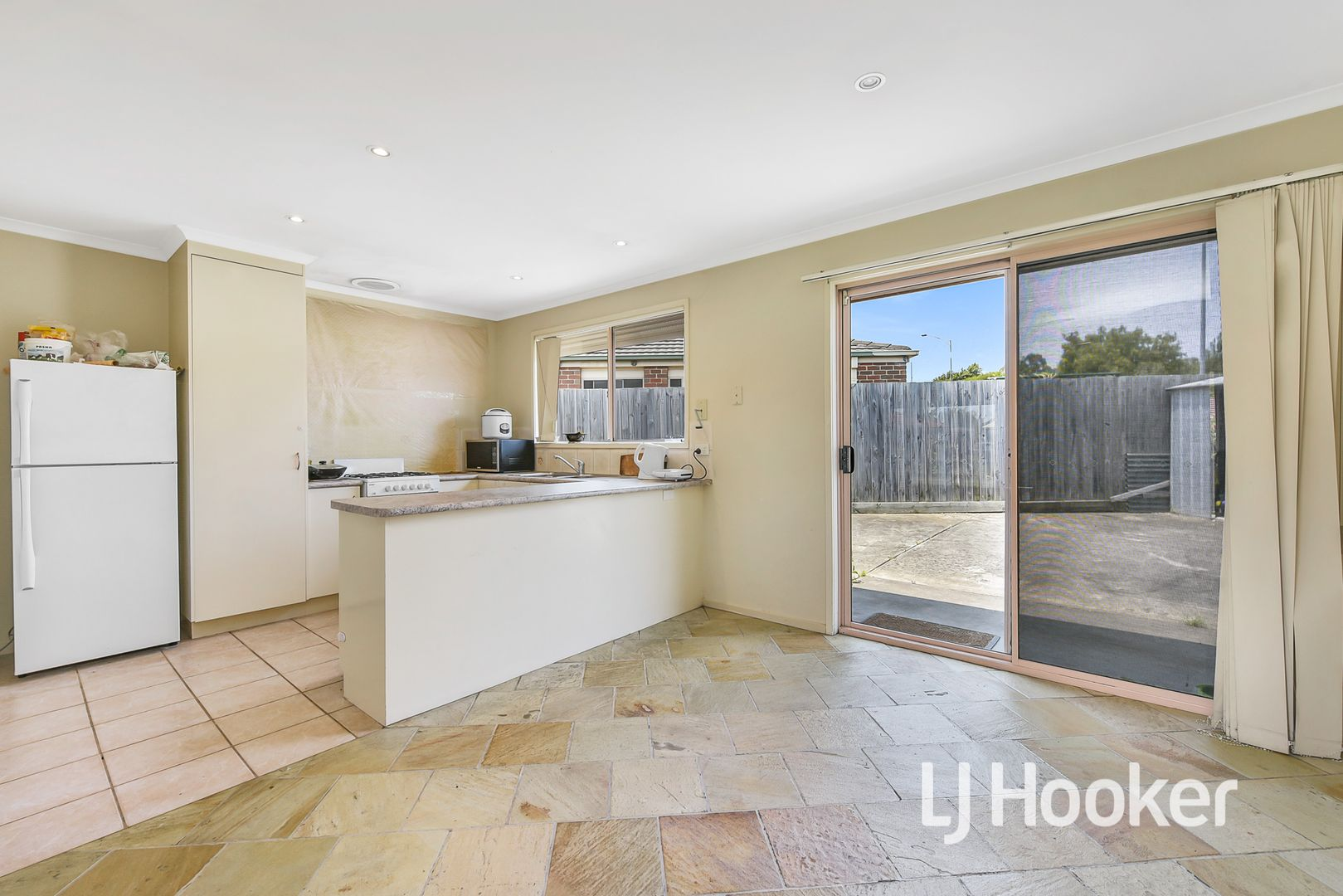 4 Fira Court, Narre Warren VIC 3805, Image 2