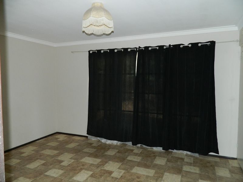 5 Stanhope Road, Kalamunda WA 6076, Image 2