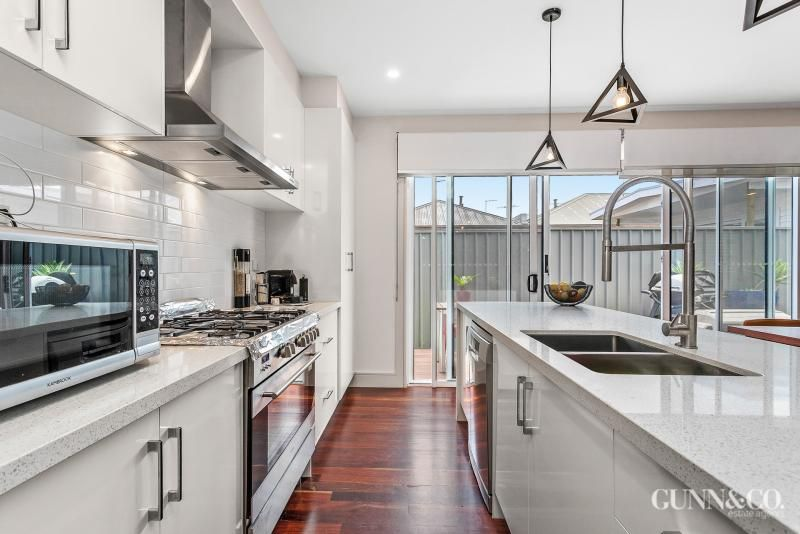2/89 Melbourne Road, Williamstown VIC 3016, Image 1