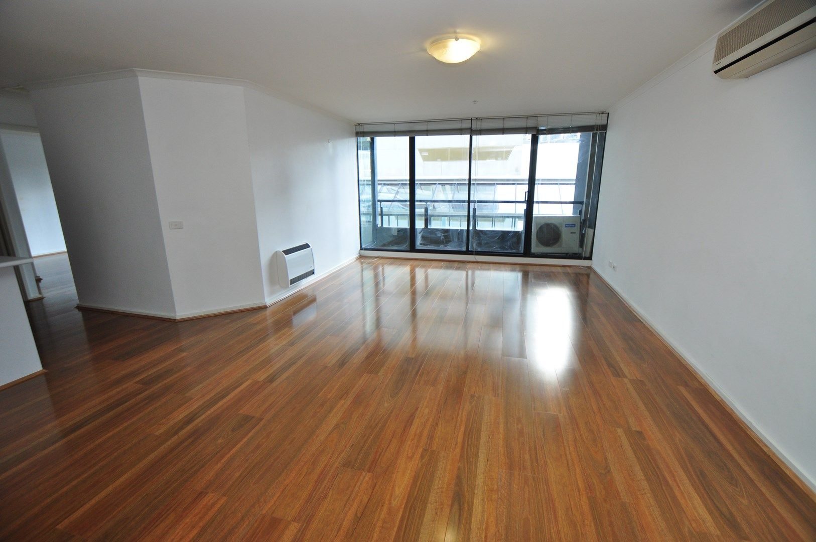 REF 120745/38 Kavanagh Street, Southbank VIC 3006, Image 0