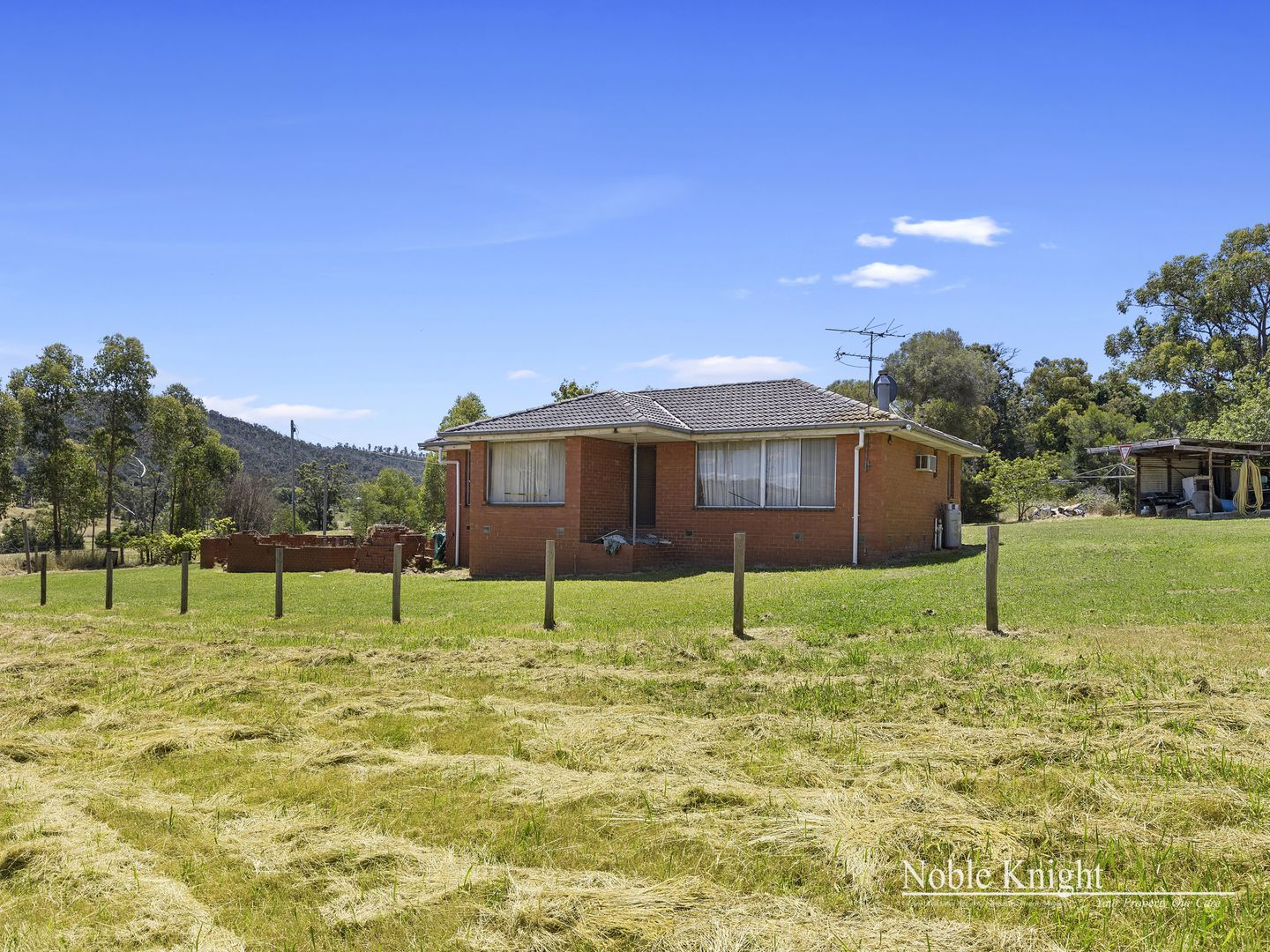 240 Long Gully Road, Healesville VIC 3777, Image 2