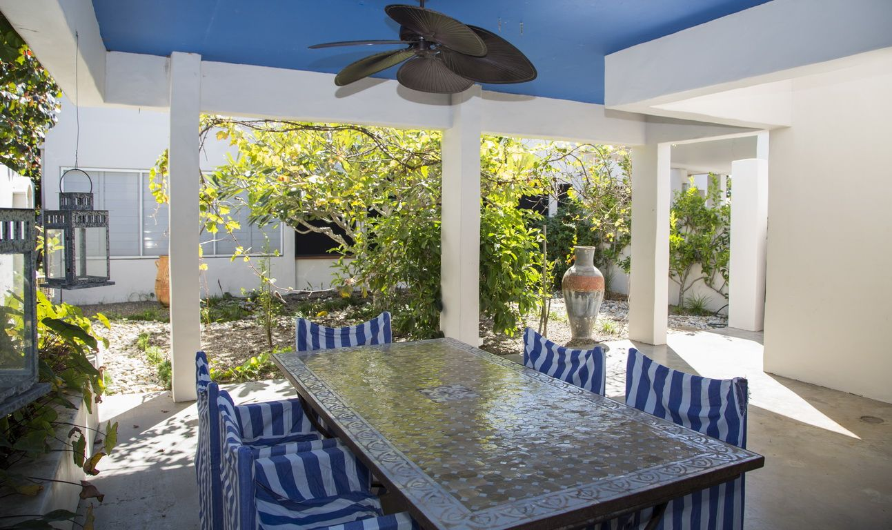 2 Conch Street, Mission Beach QLD 4852, Image 1