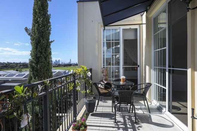 Picture of 2046/3029 The Boulevard, CARRARA QLD 4211