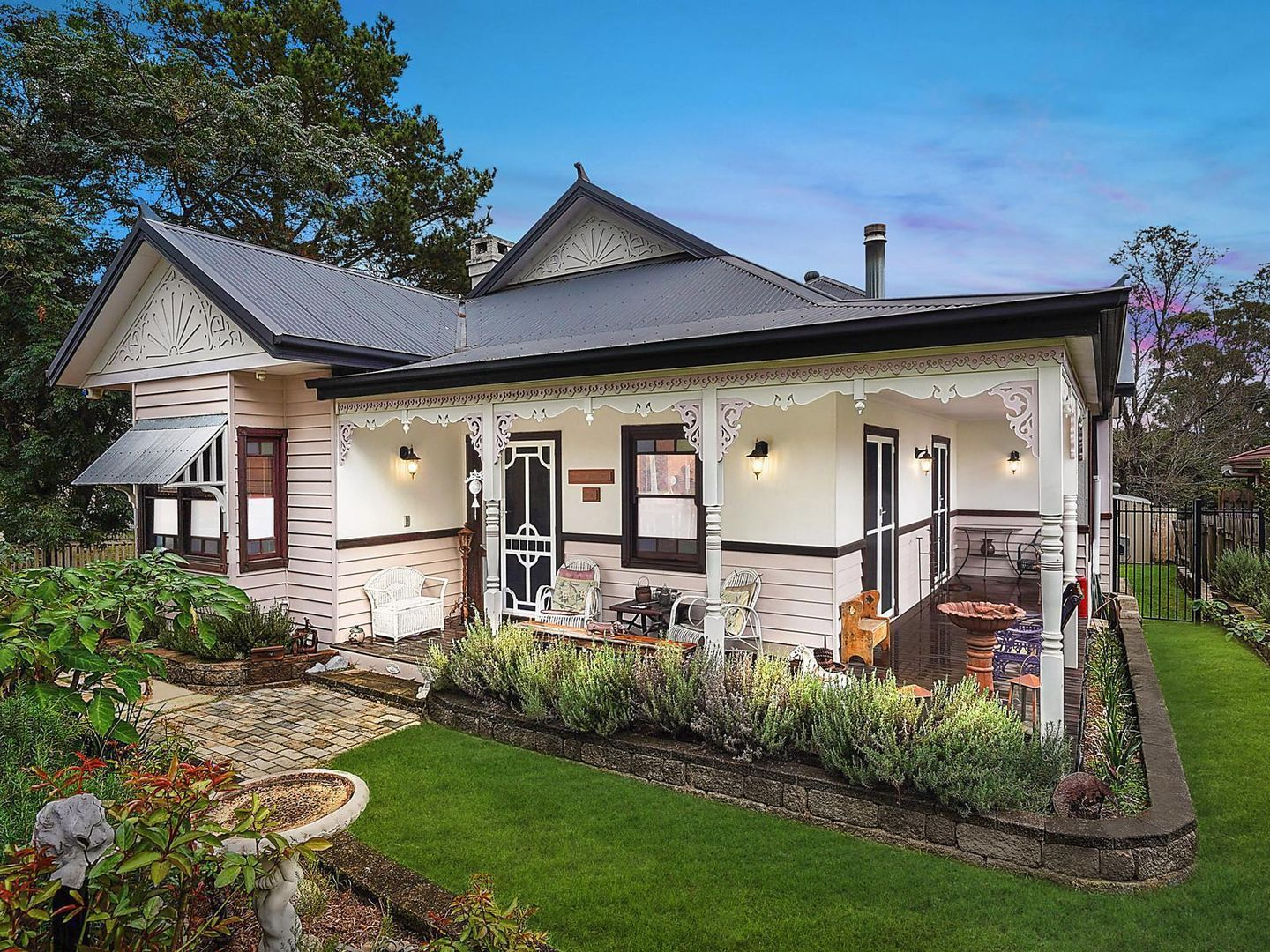 865 Montpelier Drive, The Oaks NSW 2570, Image 0