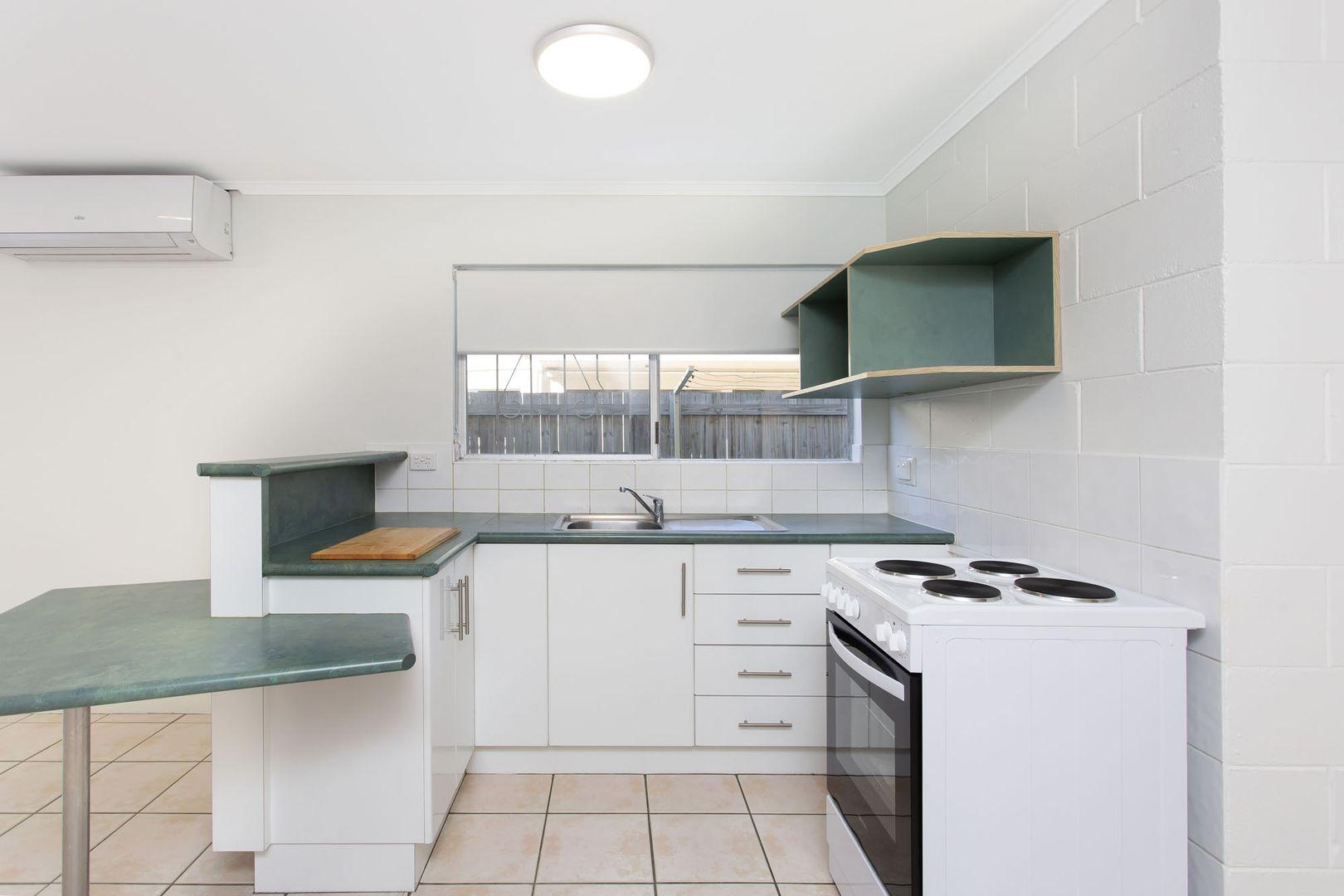 2/10 Ethel Street, Hyde Park QLD 4812, Image 2