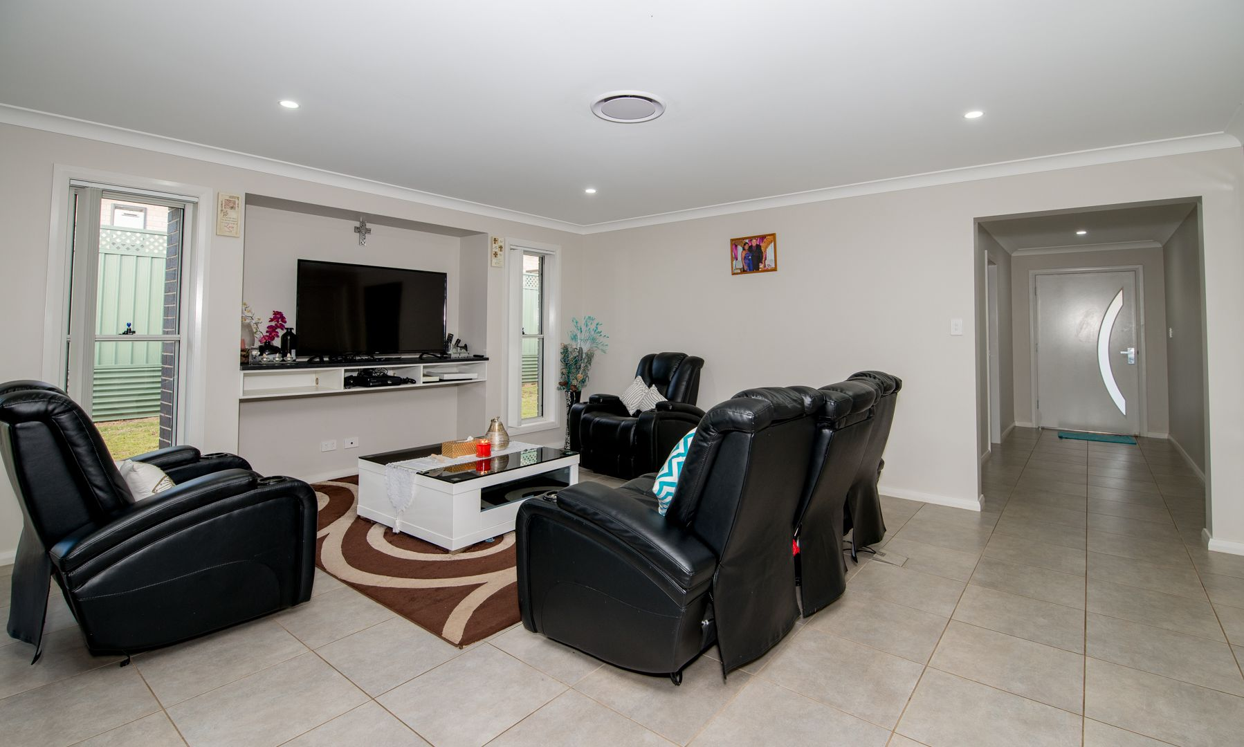 18 Pelagic Court, Dubbo NSW 2830, Image 2