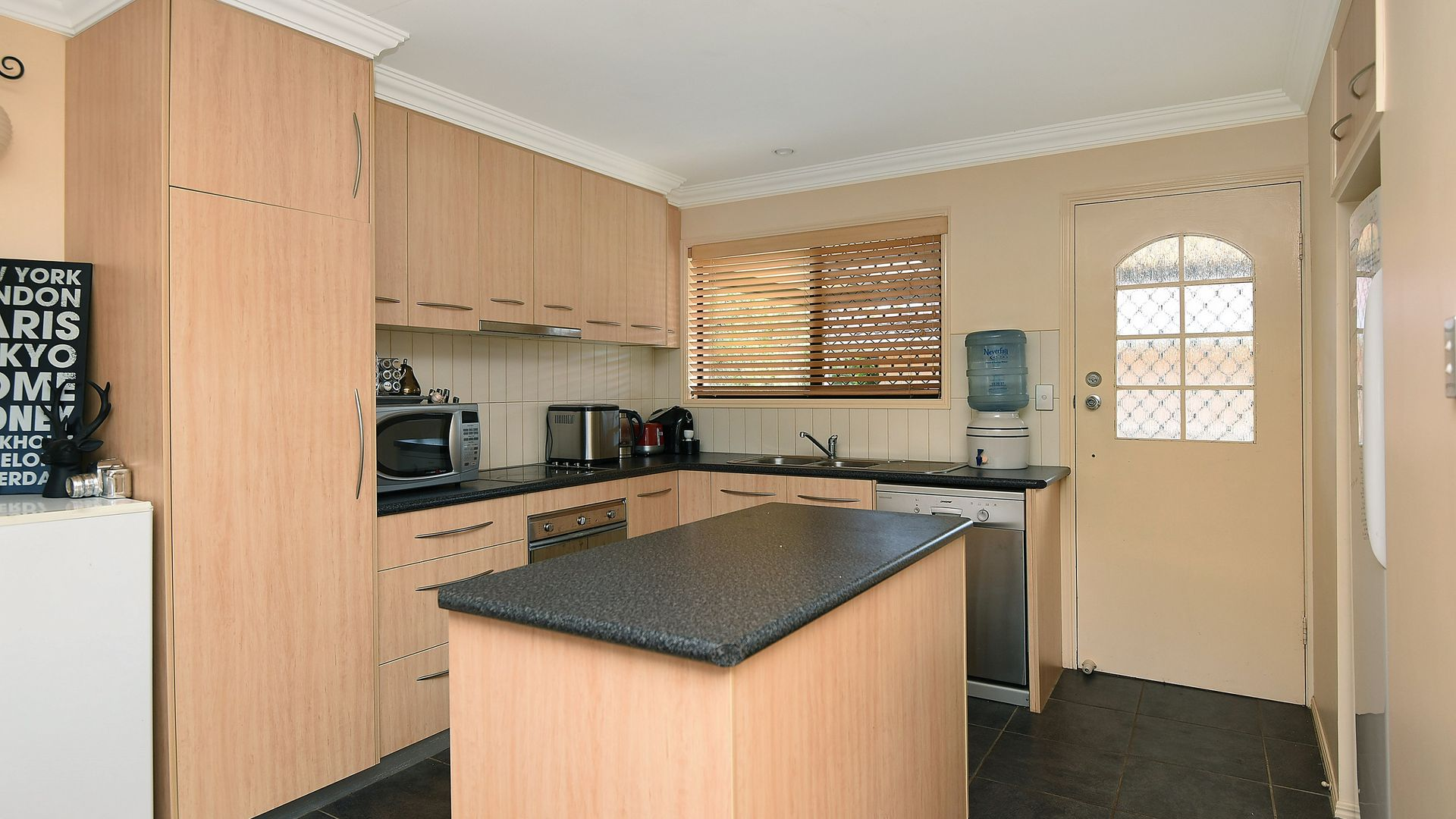 262 West Street, Kearneys Spring QLD 4350, Image 1
