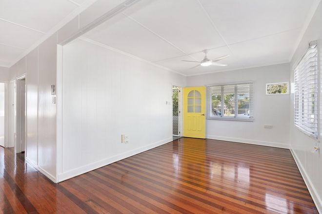 Picture of 3 Pansy Street, WYNNUM QLD 4178