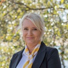 Michelle Spiliotis, Sales Associate to James Shugg