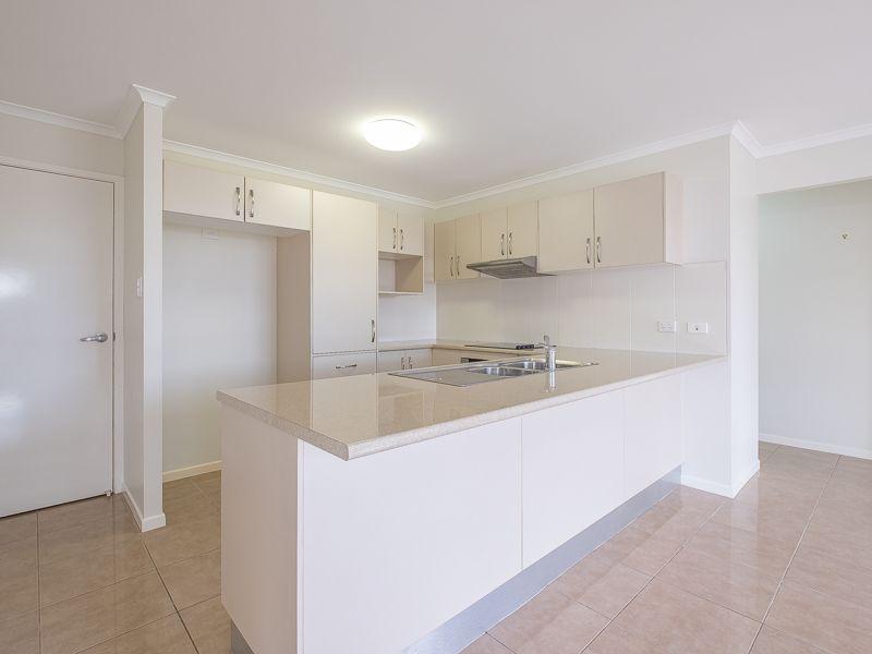2/3 Bond Drive, Southside QLD 4570, Image 2