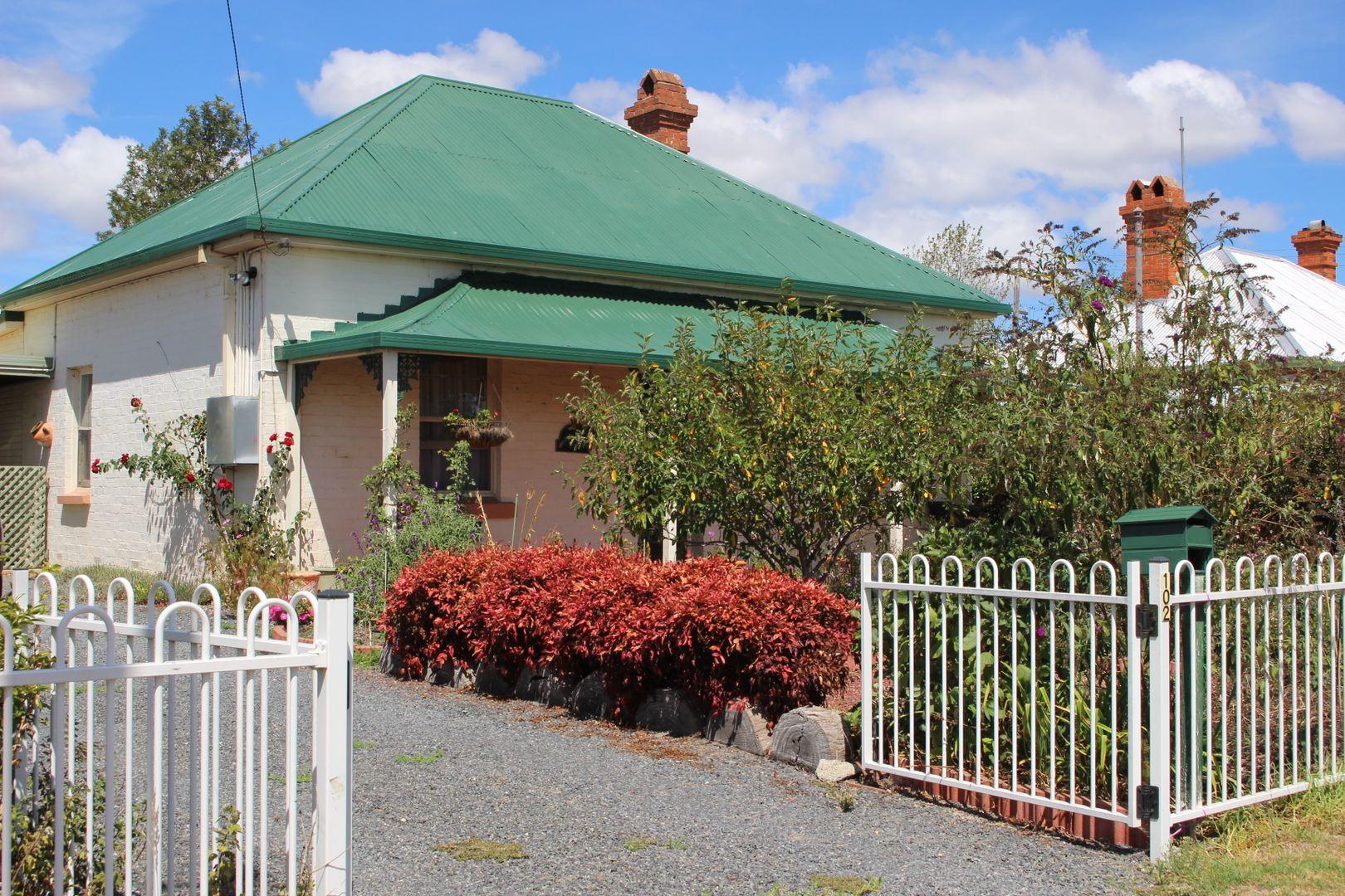 102 Bulwer Street, Tenterfield NSW 2372, Image 0