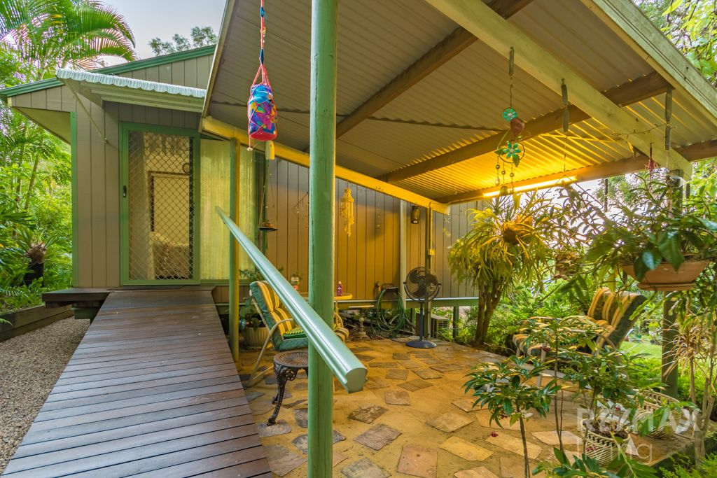5 Knowles Place, Glass House Mountains QLD 4518, Image 0