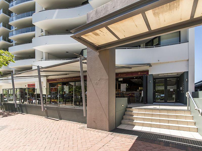 51-17 Rockingham Beach Road, Rockingham WA 6168, Image 2
