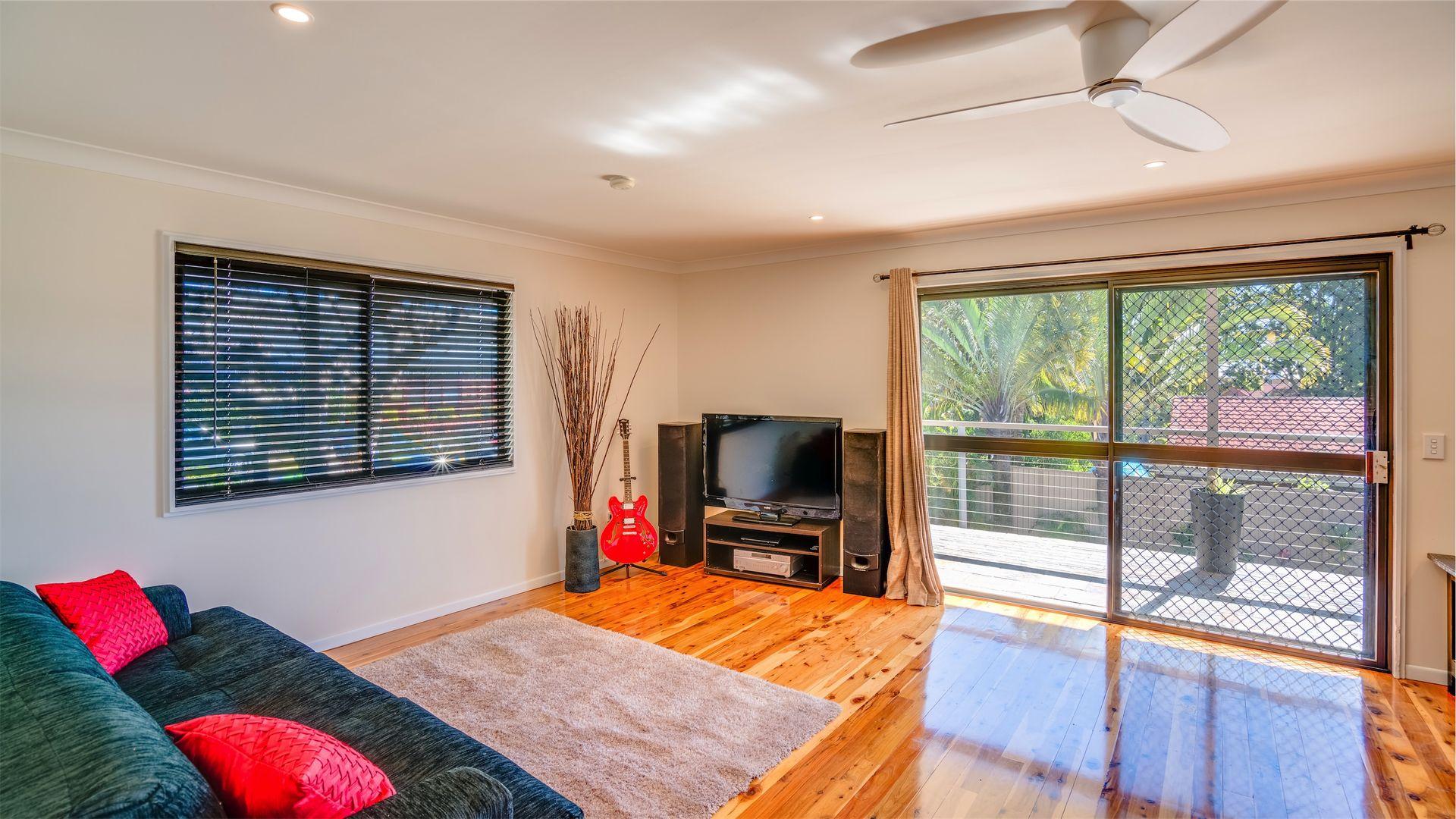 25 Sunbird Avenue, Paradise Point QLD 4216, Image 1