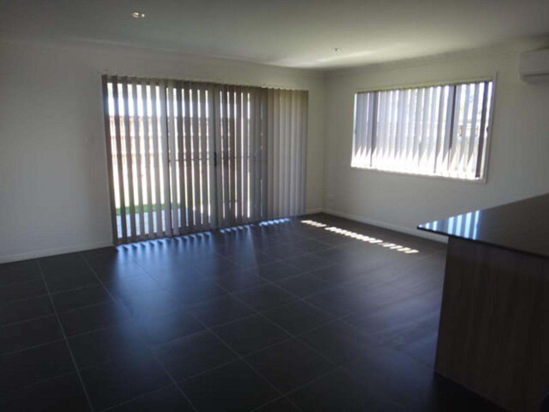 7 Lachlan Street, Gleneagle QLD 4285, Image 2