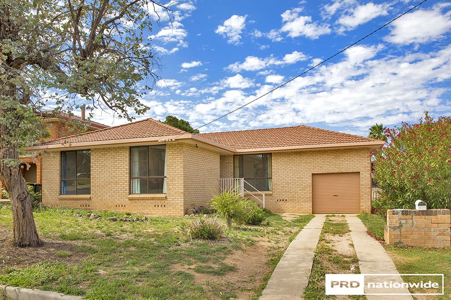 18 Kinarra Street, Tamworth NSW 2340, Image 0