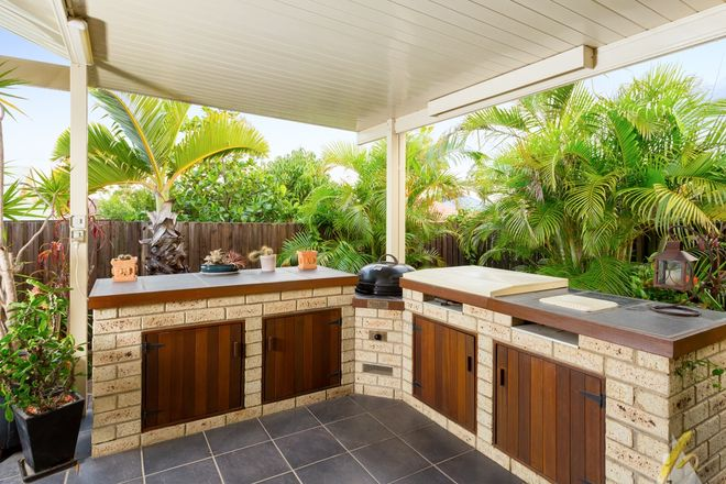Picture of 4 Burnside Pl, FOREST LAKE QLD 4078