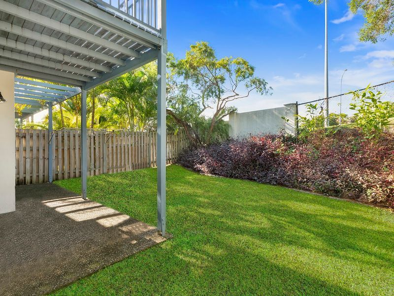 3/2 Studio Drive, Pacific Pines QLD 4211, Image 2