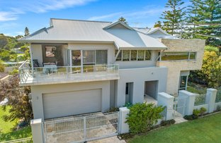 Picture of 7 Peet Crescent, Trigg WA 6029