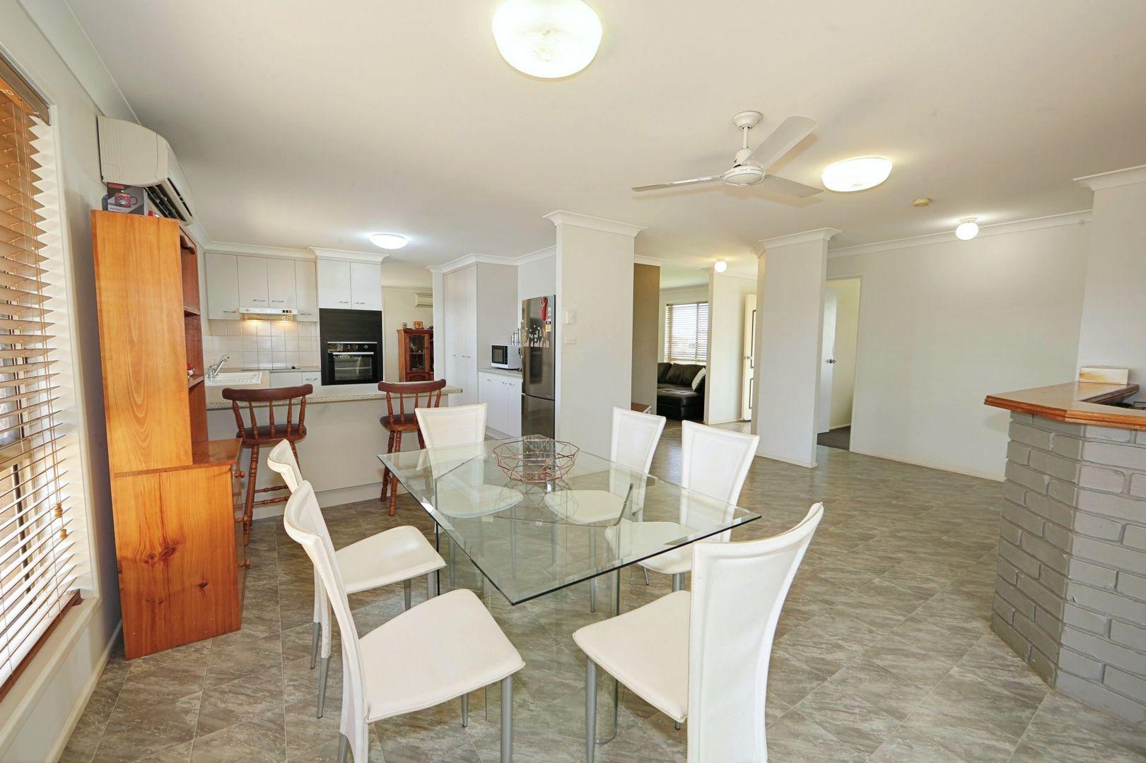 6 Rehbein Avenue, Qunaba QLD 4670, Image 2