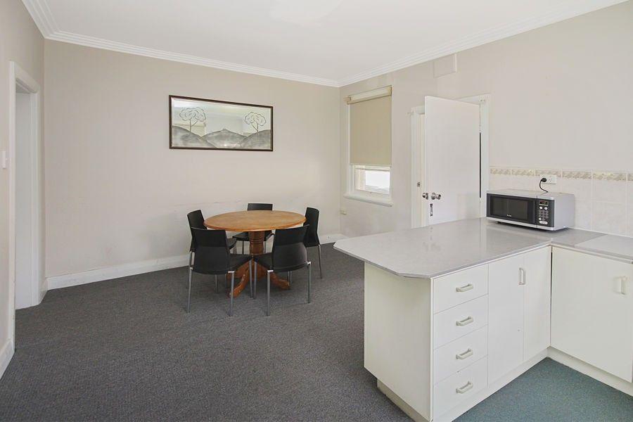 83 Cowper Street, Tenterfield NSW 2372, Image 2