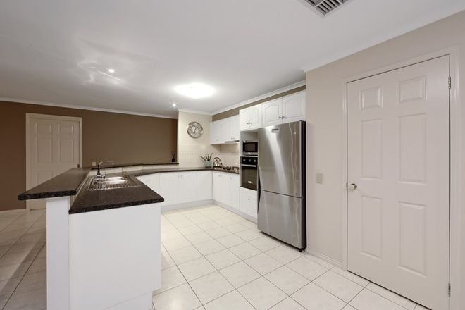 Picture of 25 Pendelton Place, LYSTERFIELD VIC 3156