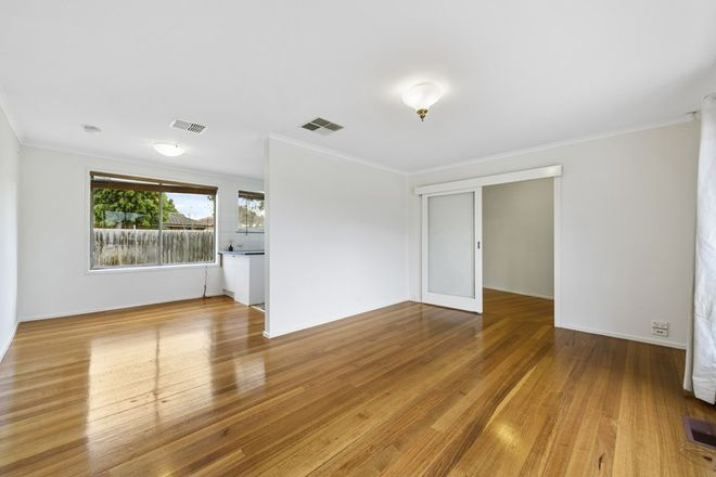 Picture of 10 Walnut Court, KINGS PARK VIC 3021
