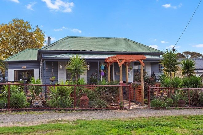 Picture of 48 Godfrey Street, WEDDERBURN VIC 3518