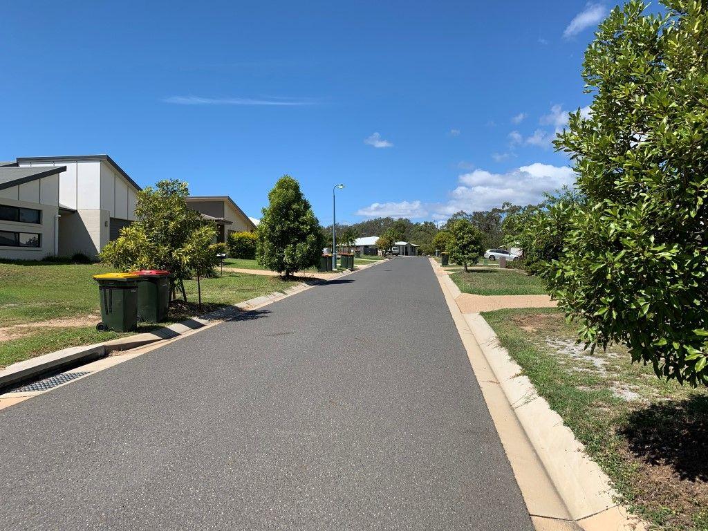 8 Bragg Court, Kirkwood QLD 4680, Image 2