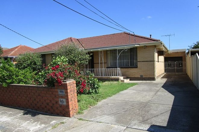 Picture of 5 Clacton Street, ST ALBANS VIC 3021