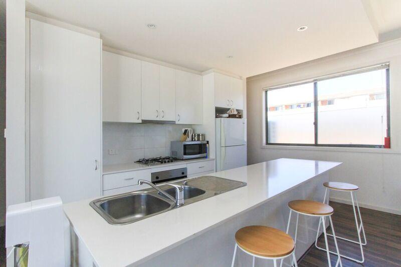 4/5 McKeahnie Street, Crestwood NSW 2620, Image 1