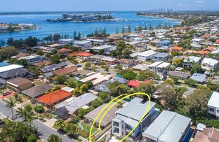 Picture of 1/24 Drake Avenue, Paradise Point QLD 4216