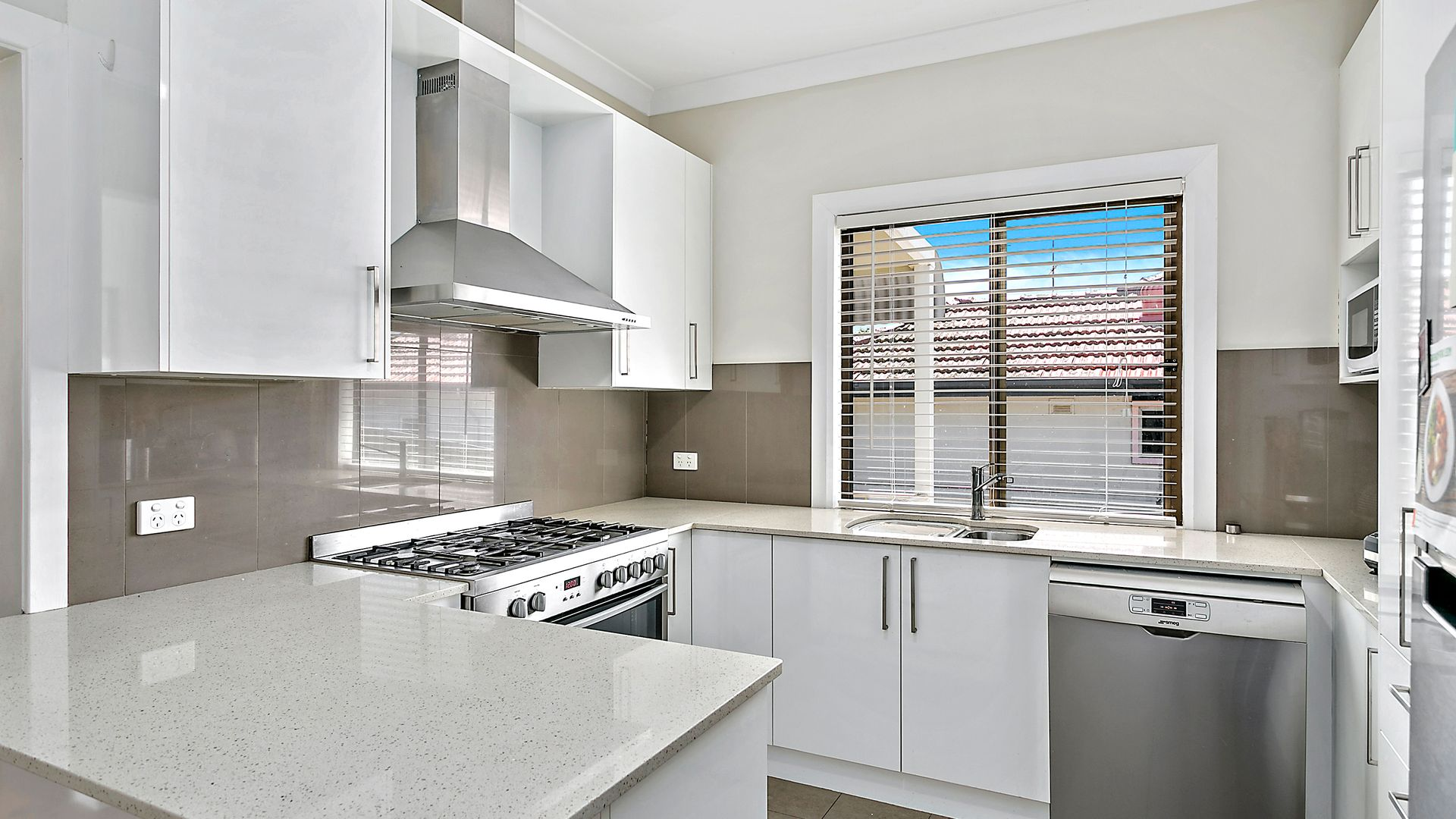 1/11 Dempster Street, West Wollongong NSW 2500, Image 2