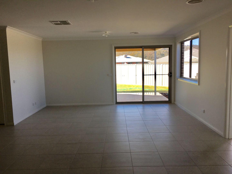 14 Fay Street, Hamilton Valley NSW 2641, Image 2
