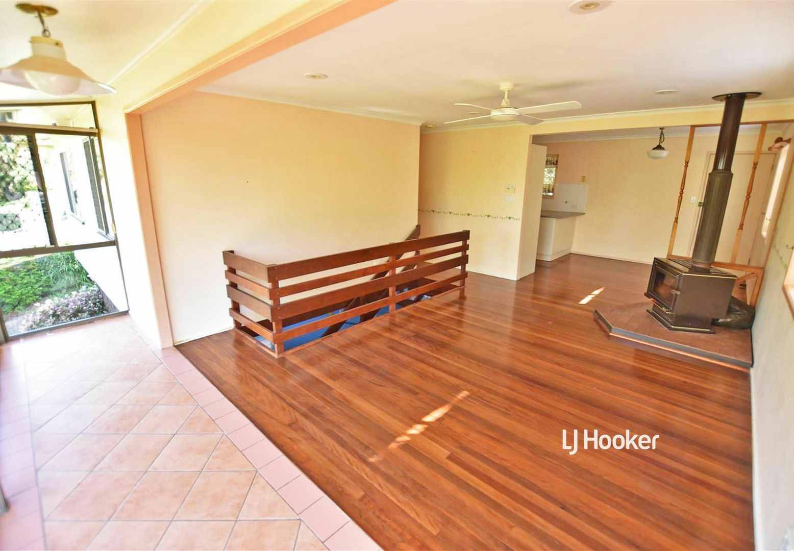 12 Janmarie Court, Kallangur QLD 4503, Image 2