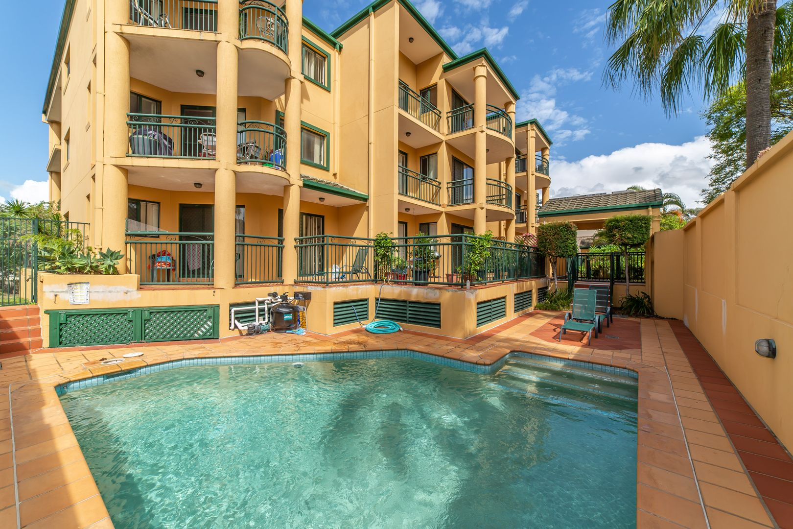 22/10-12 Spendelove Avenue, Southport QLD 4215, Image 0