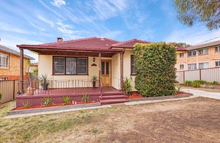 Picture of 54 Crest Road, Queanbeyan NSW 2620